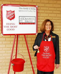 Helen-with-Red-Kettle_WEB