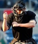 t1larg-umpires1
